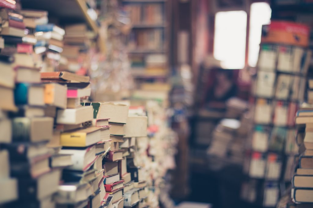 lesen statt ausgehen, bücher, daheim, literatur