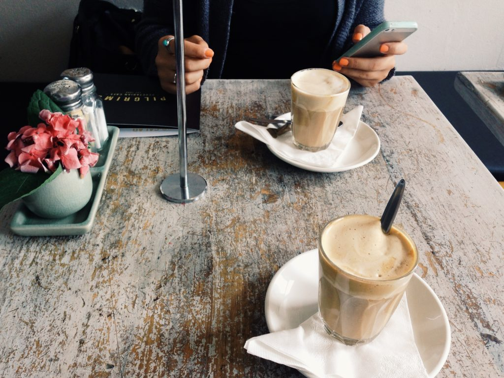 Jodel Date, Innsbruck, Jodeln, Studenten, Kaffe, Liebe, Beziehung, Dilemma